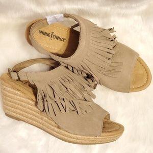 Minnetonka Ashley Suede Fringe Wedge Sandals NWOB